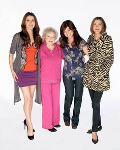 Hot In Cleveland Cast Valerie Bertinelli Betty White 8x10 Photo 002