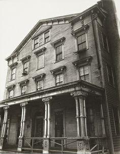 Berenice Abbott - Cropsey Avenue, no. 1736, Bath Beach, Brooklyn (1936)