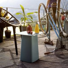 Side table / square / outdoor / contemporary vitra