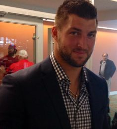 @MikeOrganWriter: Backstage at Music City SportsFestival with Tim Tebow