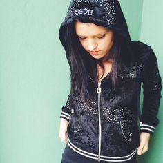 HOST PICK BCBG HOODIE BCBG HOODIE. Size medium. No trades, offers welcome. BCBGMaxAzria Sweaters