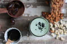 Blue Green Spirulina Milk, spirulina, nut  milk