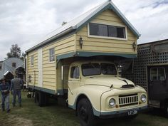 1958 Austin Truck Camper by Five Starr Photos ( Aussiefordadverts), via Flickr