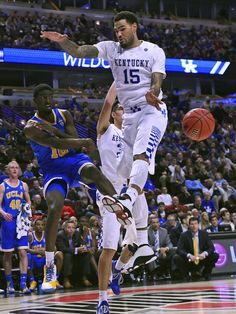 The top-ranked Wildcats throttled UCLA 83-44 Saturday in Chicago in a game that was even more lopsided than the margin of victory indicated. Kentucky led 24-0 before surrendering a point, 41-7 at halftime and 43-7 before the over-matched Bruins finally reached double figures.