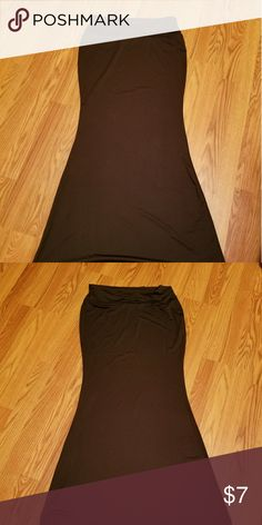 Maxi skirt Black plain skirt.  Tags has xl size but true size is large erth couture Skirts Maxi