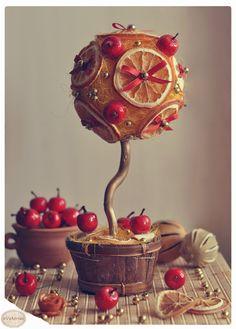 """Topiary """"Ripe apples"""""""