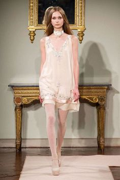 Browse Milan Fashion Week Fall 2014 pictures from the Blugirl runway show. Ivy Fashion, Runway Fashion, Womens Fashion, Milan Fashion, Fashion 2015, Vestido Baby Doll, Paisley, Haute Couture Designers, Fantasy Gowns