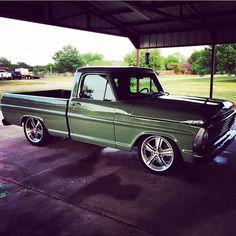 Gas Monkey Garage. I love this truck
