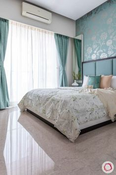 This in Goregaon at JP Decks has the trendiest contemporary interiors. Take a look at this blended home and get inspired! Wardrobe Design Bedroom, Master Bedroom Interior, Room Design Bedroom, Bedroom Furniture Design, Modern Bedroom Design, Room Ideas Bedroom, Home Room Design, Small Room Bedroom, Home Decor Bedroom