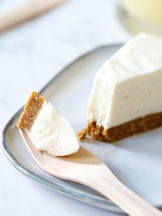 No-bake witte chocolade cheesecake (met vanille) - Zoetrecepten Lemon Blueberry Muffins, Blue Berry Muffins, Cupcakes, Cake Cookies, No Bake Pies, No Bake Cake, Agar, Lemon Curd Cheesecake, Caramel