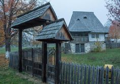 """Traditional houses in rural Romania (case traditionale romanesti) *** Upon arriving in her new home country in the young wife of Prince Carl of Romania noticed in her writings: """"Every R… Old Country Houses, Old Houses, Romania People, Cartoon Building, Rural House, Building Concept, Log Homes, Traditional House, Modern Architecture"""
