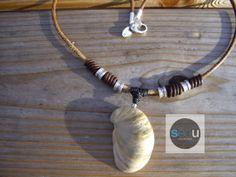 Slipper  Collier Surfstyle unisexe en cuir brun  par SeaUcollection, $80.00