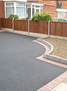 Gorgeous driveway curb appeal The right planning There… - Modern Pebble Driveway, Resin Driveway, Driveway Edging, Brick Driveway, Asphalt Driveway, Brick Edging, Driveway Landscaping, Modern Driveway, Walkway