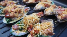 James Cornwall takes the humble greenshell mussel and adds some spice to make this classic recipe Green Mussels, Oysters Rockefeller, Spinach And Cheese, Butter Sauce, Home Recipes, Yummy Appetizers, Paella, Seafood Recipes, Classic Recipe