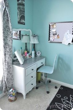 I must have a room this color in my home!!!!