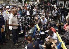 Philadelphia Mayor Michael Nutter exercises crisis communication skills after Amtrak tragedy.