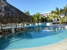 Swim up bar at Secrets Cap Cana, now just give guests a good way to get to it!