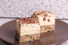 Prăjitură cu nucă şi cremă de vanilie Romanian Desserts, Romanian Food, Sweets Recipes, Cookie Recipes, Torte Recepti, Sweet Desserts, Vanilla Cake, Love Food, Food And Drink