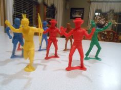 """Vintage Plastic Cowboys and Indians 5"""" Action Figures Large Set Of 8 Bright Colors Western Toys"""