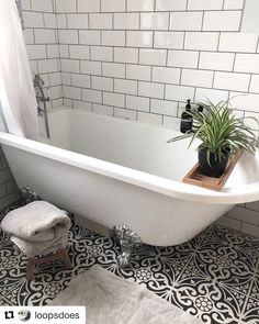 This brilliantly black and white bathroom was shared with us by @loopsdoes - what a transformation; great work! Have you got a #VictoriaPlum bathroom that you are proud of? Then make sure you #SnapIt and share it with us using #VPShareYourStyle. We'd love to see your bathrooms!