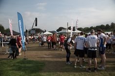 Der Firmenlauf Bonn fand dieses Jahr zum 8. Mal statt. Und wieder gab es einen Teilnehmerrekord mit über 10.000 Läufern.