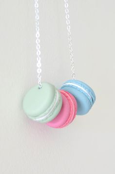 Small Macaron Necklace beautiful handmade por ClayandClasp