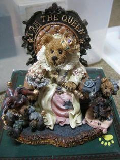 "Boyds Bears Figurine ""Elizabeth with Rosencrantz & Guilderstern...I Am The Queen"