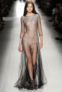 Blumarine Spring - Summer 2014. Model: Yumi Lambert.