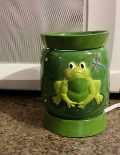 Electric frog wax warmer