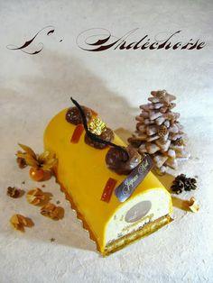 (Dacquoise Amandes & Orange, feuilletine, Crémeux Chocolat & Marrons, Mousse aux Marrons & Brisures de Marrons Glacés, & Glaçage Miroir à l'Orange)