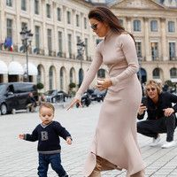 Over three months after giving birth, Janet Jackson shared the first public photo of her baby son Eissa. Janet Jackson Children, Janet Jackson Baby, Janet Jackson Videos, Jackson Family, Jack Osbourne, The Jacksons, Petite Women, Celebrity Babies, Famous Celebrities