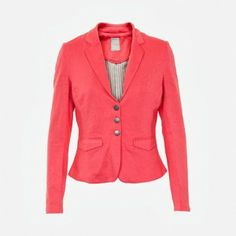 Monday's lady is going to work Ladies Fashion, Womens Fashion, Indian Summer, Blazer, Lady, Jackets, Female Fashion, Women's Fashion, Sports Jacket