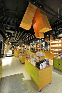 Tanum Karl Johan bookstore by JVA Oslo 05