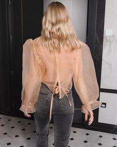 23 Sheer Tops That are Surprisingly Easy to Wear - Street Style Outfits Easy Style, Style Me, Mode Outfits, Fashion Outfits, Womens Fashion, Fashion Trends, Streetwear, Looks Street Style, Look Vintage