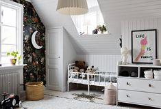 A nice Scandinavian home with cozy hooks - NORDROOM - Nordroom - A s ., A nice Scandinavian home with cozy hooks - NORDROOM - Nordroom - A nice Scandinavian home with cozy hooks -. Boho Chic Interior, Bohemian Bedroom Design, Interior Design, Oval Room Blue, 1920s House, Rustic Wood Walls, Cozy Nook, Magnolia Homes, Scandinavian Home