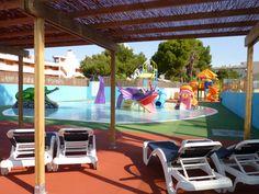 Splash pool and sunbathing area at the Hotel Marina Torrenova 4*, Palma Nova, Mallorca.