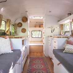 Likes, 25 Comments - Travel School Bus Tiny House, School Bus Camper, Bus Living, Tiny Living, Caravan Renovation, Bus Life, Remodeled Campers, Minimalist Living, House On Wheels