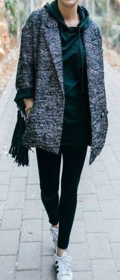 Women in motion Cold Weather Fashion, Winter Fashion, Trendy Fashion, Fashion Outfits, Fashion Tips, Fashion Bloggers, Fashion Model Poses, Minimalist Fashion Women, Aesthetic Clothes