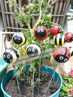 Ladybugs and Bumble Bees from Golf Balls | Cute and Easy Golf Ball Ladybugs to Rock Your Garden