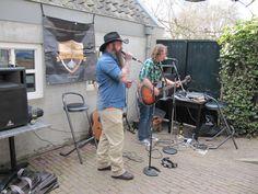 Open Podium bij www.TerrasEffezitte.nl in Megen. April 2015. Foto Ineke Voskamp