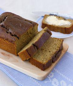 Grain-Free Sunbutter Banana Bread: 3 eggs 1/2 cup sunflower seed butter (almond butter will work too) 1/3 cup maple syrup 3 tablespoons palm shortening or butter 2 teaspoons lemon juice 1 teaspoon vanilla 1/3 cup coconut flour 2 teaspoons cinnamon 2 teaspoons baking powder 1/4 teaspoon salt 2 very ripe bananas