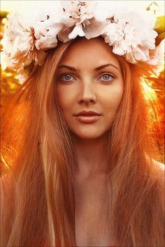 девушка с венком на голове: 22 тыс изображений найдено в Яндекс.Картинках