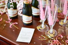 Tips on how to make sure your Hotel Bachelorette Party is extra special! Decor ideas, money-saving tips, and easy DIY hotel room transformation tricks! Hotel Bachelorette Party, Bachelorette Party Decorations, Bachelorette Weekend, Wedding Decorations, Wedding Shower Activities, Bachelor Party Games, Party Prizes, Decor Ideas, Chicago City