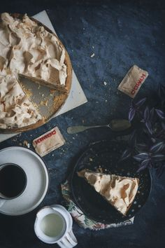 apple pie with meringue szarlotka z bezą Pie Recipes, Fall Recipes, Baking Recipes, Vintage Recipes, Vintage Food, Meringue Pie, Cream Pie, Food Photography, Bakery