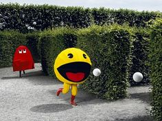 Pacman in real life. This is a nice game for a kids party! #party #kids #celebration #birthday #pacman #game http://www.funnygames.biz/search/?s=pacman