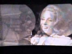▶ Lesley Gore - Hey Now