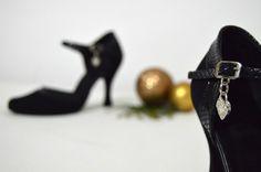 Heels, Fashion, Heel, Moda, Fashion Styles, Shoes High Heels, Fashion Illustrations, Shoes Heels, Fashion Models