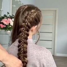 Bridal Let's look at the best bridal hair styles and tutorials we've chosen for you. Alpi , Let's look at the best bridal hair styles and tutorials we've chosen for you. [ Let's look at the best bridal hair styles and tutorials we've chosen. Long Face Hairstyles, Box Braids Hairstyles, Bride Hairstyles, Braided Hairstyles For Long Hair, Curly Hair Styles, Natural Hair Styles, Braids For Short Hair, Braids For Girls, Blonde Braids