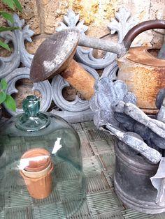 Superbe arrosoir, cloche et zinc ancien