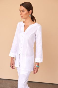 Chic and effortless (just like you), we introduce you to the traditional button-down all white linen blouse. Fácil Blanco is proudly designed and tailored in Dubai from Italian linen. Fashion Capsule, Fashion Outfits, Kurta Designs Women, Linen Blouse, White Shirts, Blouse Styles, Street Style Women, Tunic Tops, Clothes